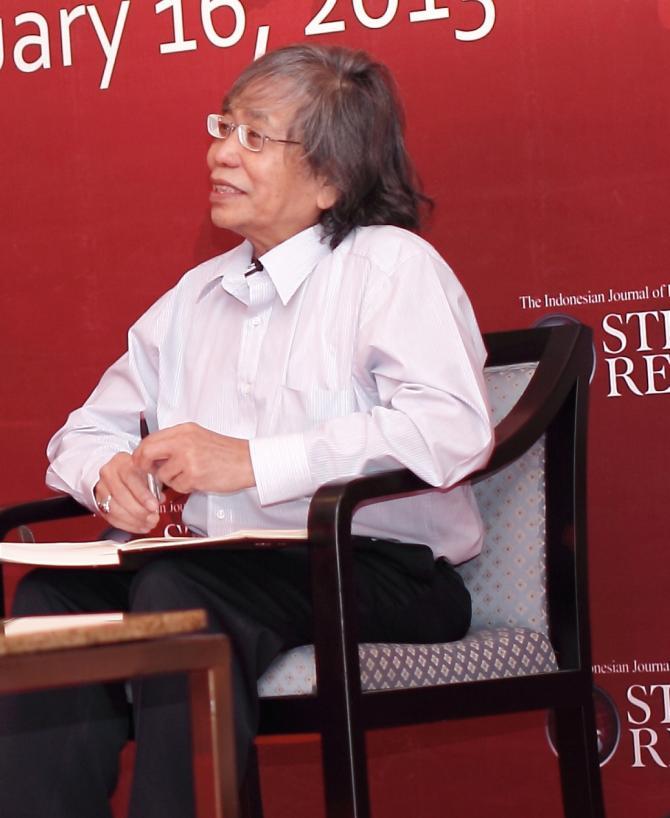 Jalaluddin Rakhmat dalam diskusi bertajuk Pluralism and Progress: Indonesia's Hope yang digelar jurnal Strategic Review di Four Seasons Hotel, Jakarta, 16 Januari 2013