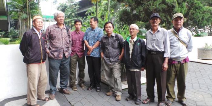 Sejumlah eks-tahanan politik mengadu ke Komisi III Dewan Perwakilan Rakyat (DPR), Selasa (18/2/2014) terkait perlakuan diskriminatif ormas dan aparat kepolisian di Semarang, Jawa Tengah