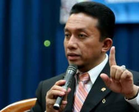 Pada 25 Juli 2014 Menkominfo Tifatul Sembiring mengeluarkan keputusan No 729/2014 dan No 730/2014 tentang peluang usaha penyelenggaraan penyiaran multipleksing melalui sistem terestrial. Tampaknya kedua kepmen terasa sangat dipaksakan terjadi di akhir kabinet ini.