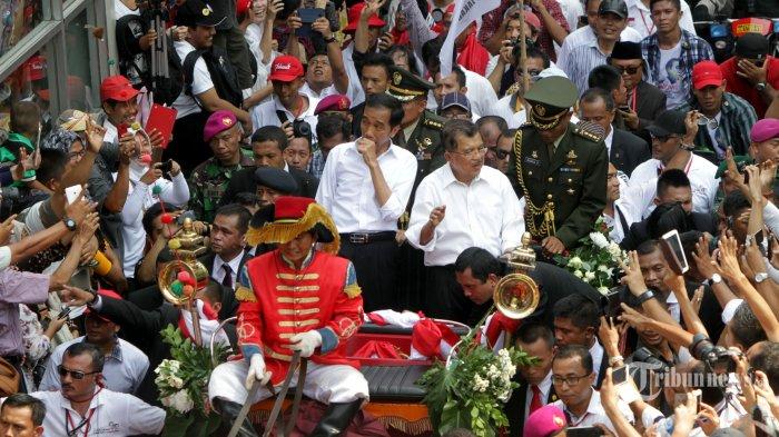 141021_Tarian dan Nyanyian Sambut Presiden Baru _tribune